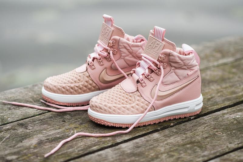Шикарные женские термо кроссовки nike lunar force duckboot pink
