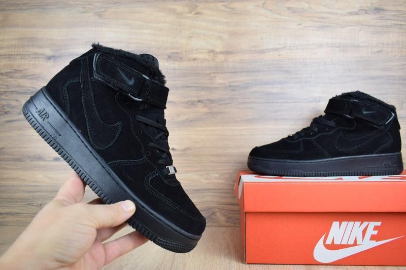Шикарные мужские кроссовки с мехом nike air force черные полно...