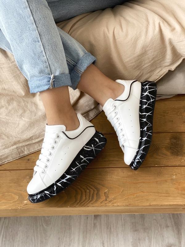 Шикарные женские кроссовки alexander mcqueen white black - Фото 3