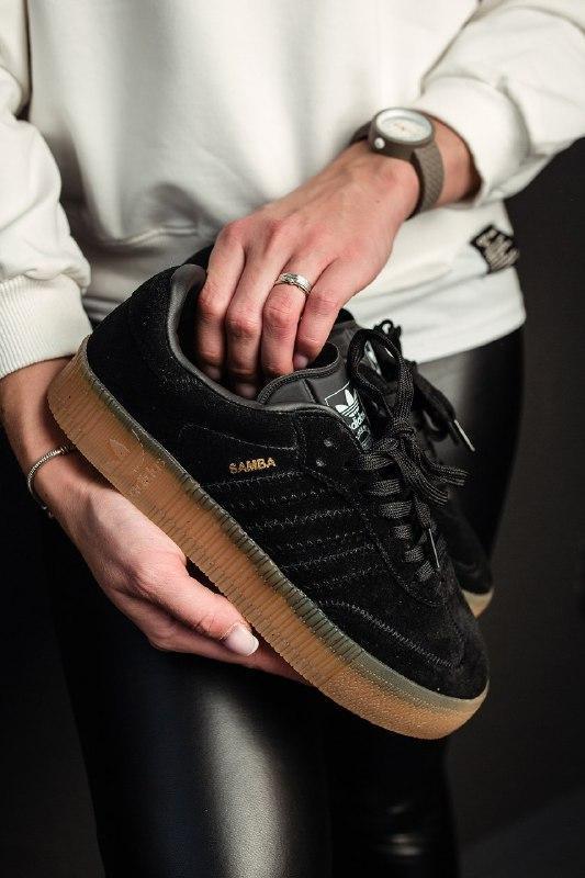 Шикарные женские кроссовки adidas samba black