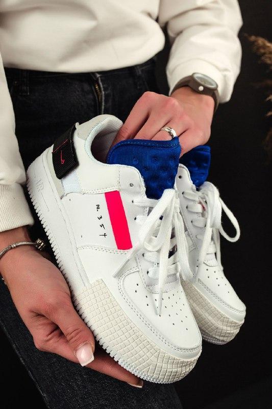 Шикарные женские кроссовки nike air force summit white
