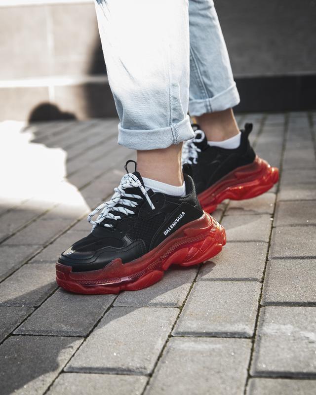 Шикарные женские кроссовки balenciaga triple s black/red - Фото 2