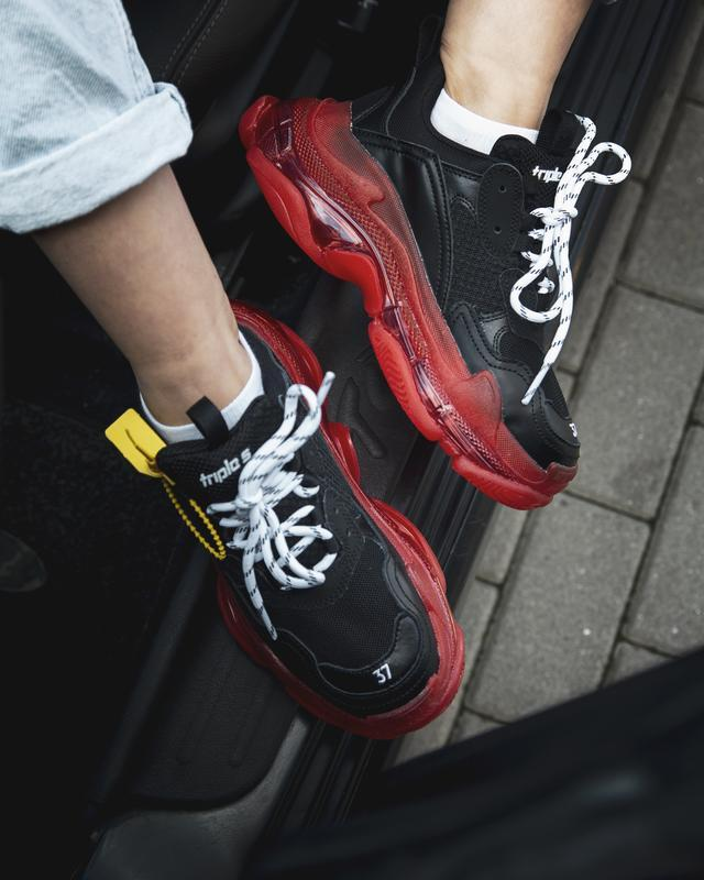 Шикарные женские кроссовки balenciaga triple s black/red - Фото 3