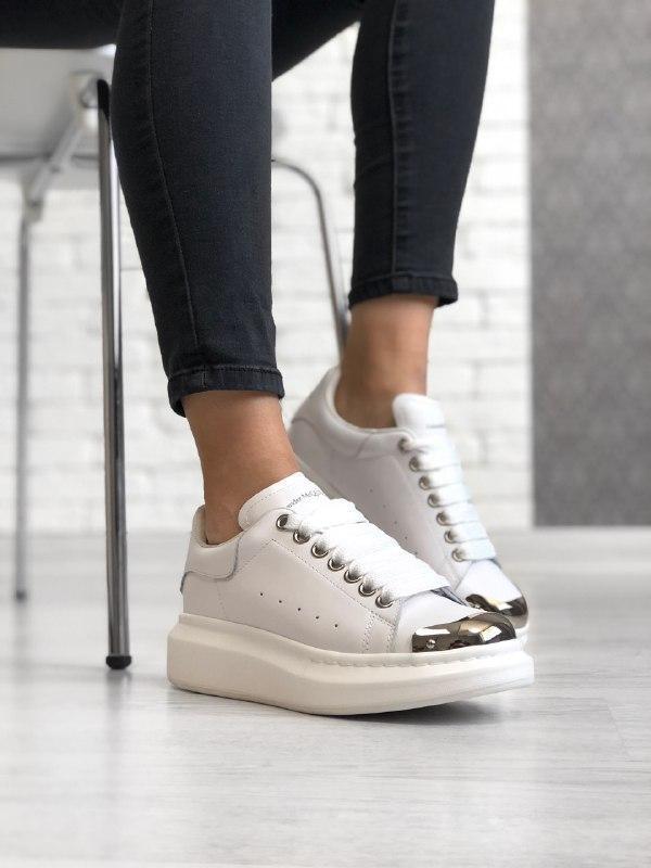 Шикарные женские кроссовки  alexander mcqueen white