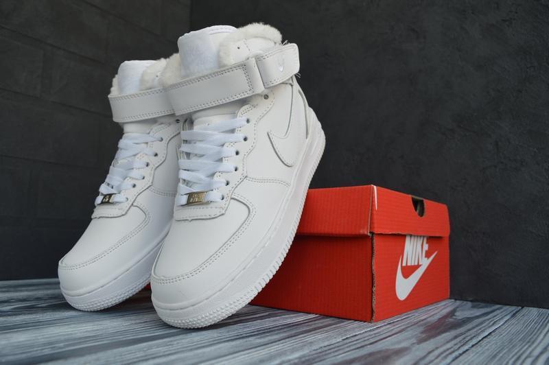 Шикарные женские зимние кроссовки с мехом nike air  force high...