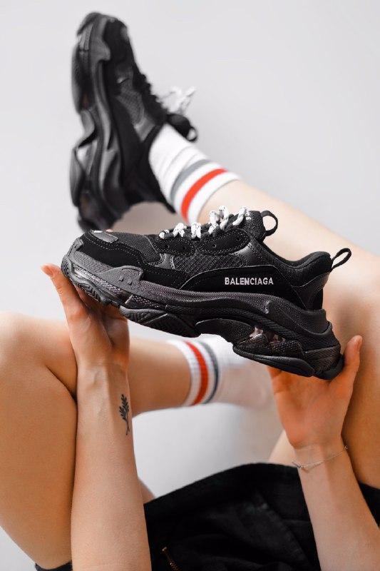 Шикарные женские кроссовки  balenciaga triple s clear sole, black