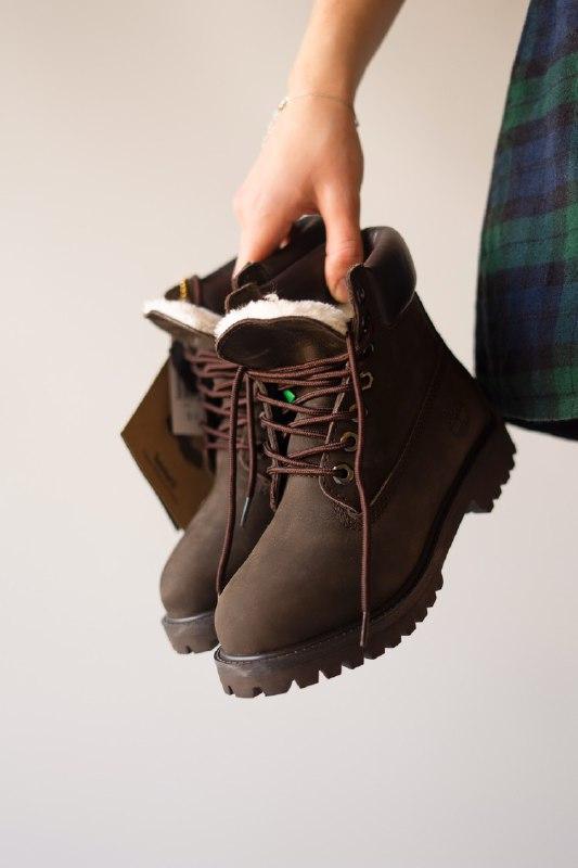 Шикарные женские зимние ботинки  с мехом timberland brown (мех)