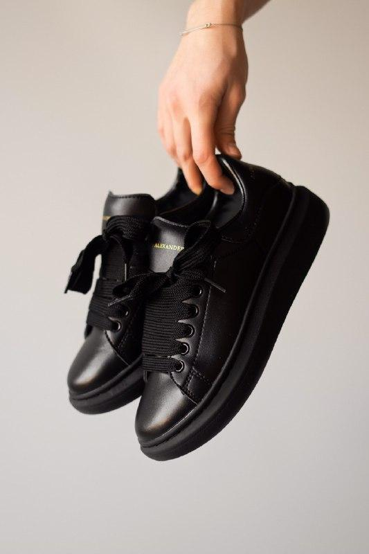 Шикарные женские кроссовки alexander mcqueen, triple black