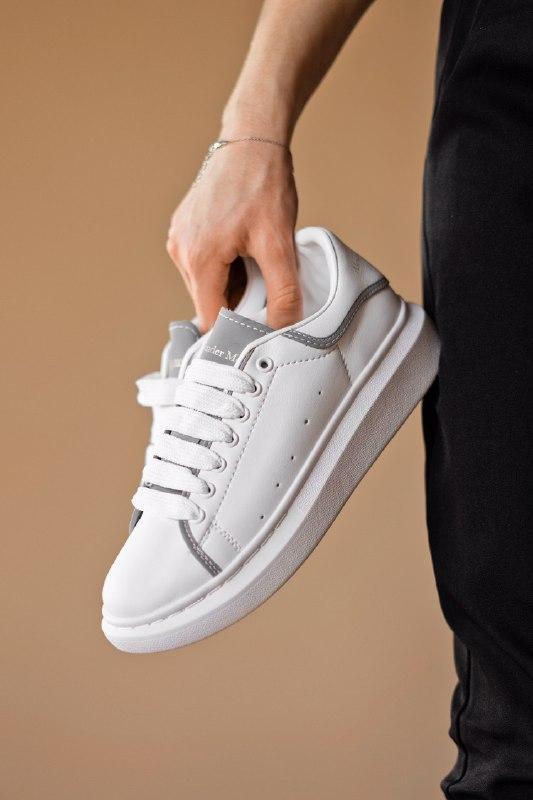 Шикарные женские кроссовки alexander mcqueen white/silver