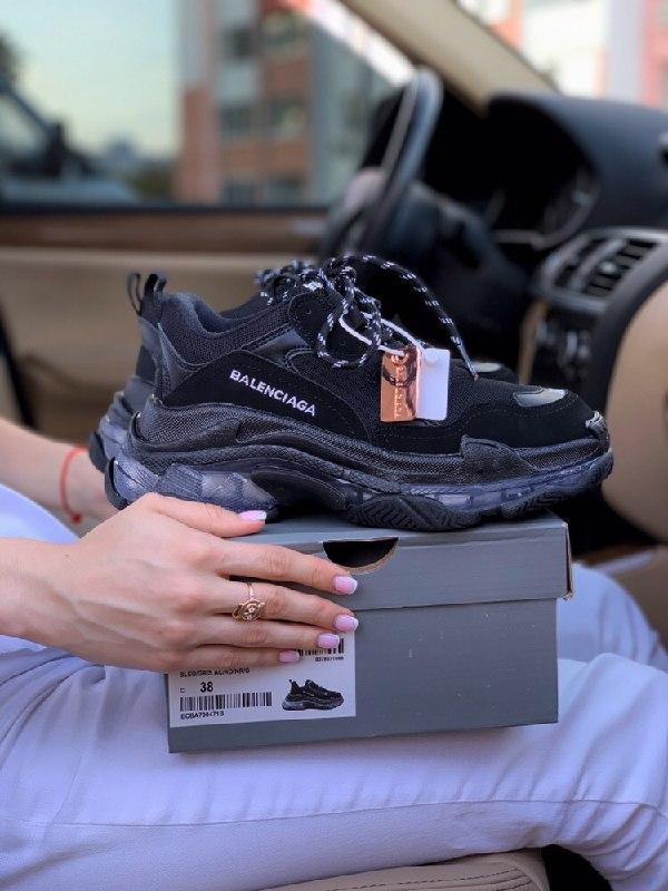 Шикарные женские кроссовки balenciaga triple s clear sole black