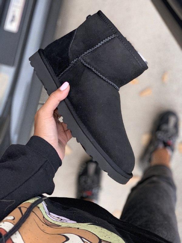 Шикарные женские зимние сапоги угги ugg classic mini black