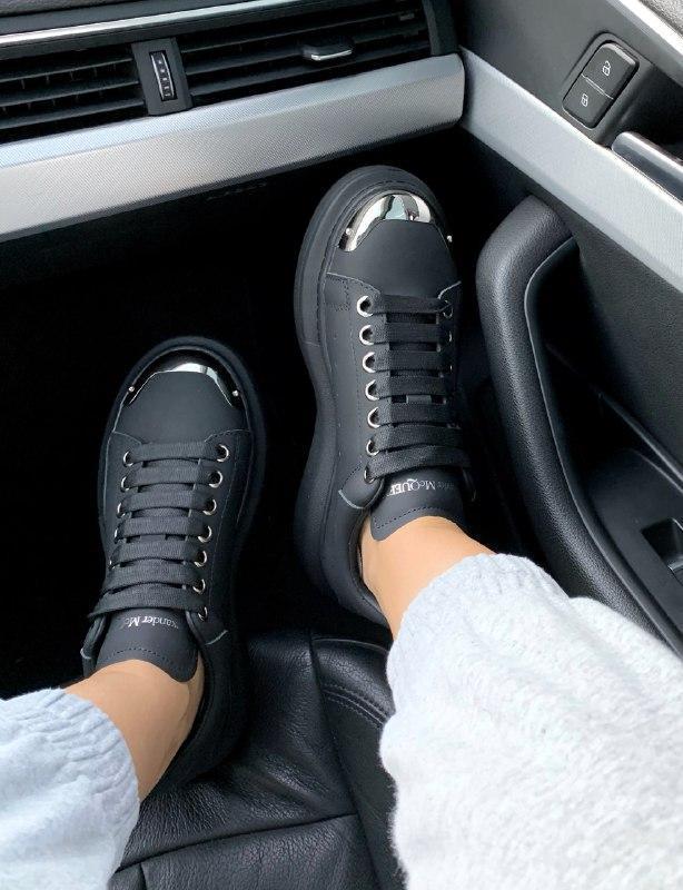 Шикарные женские кроссовки alexander mcqueen black metal