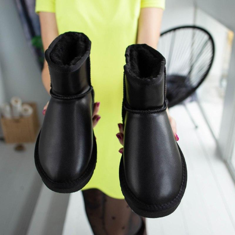Шикарные женские зимние сапоги угии ugg classic mini  black le...