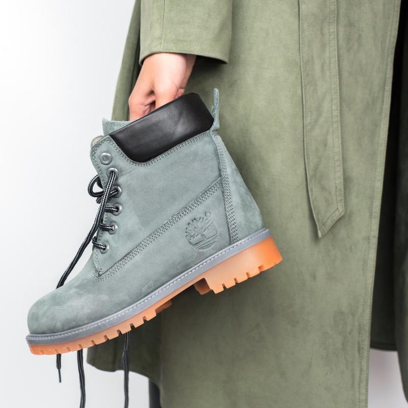Шикарные женские зимние ботинки с мехом timberland grey
