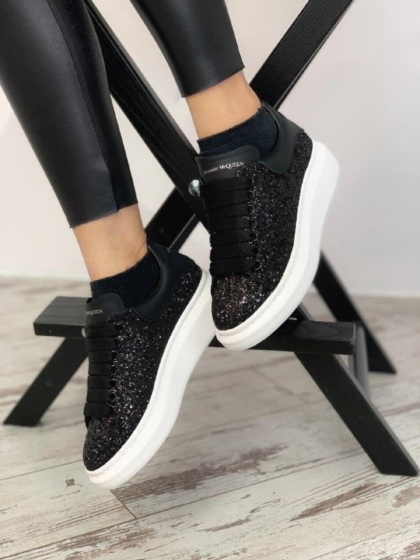 Шикарные женские кроссовки alexander mcqueen black white
