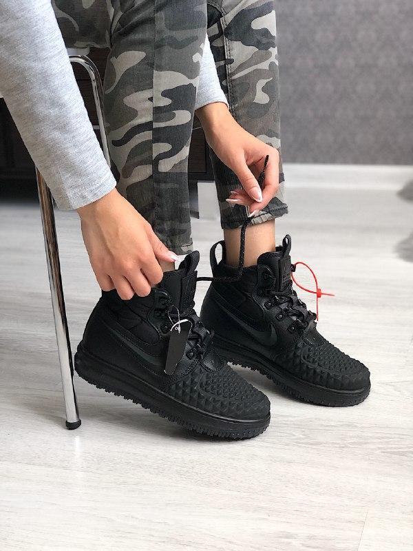 Шикарные женские термо кроссовки nike lunar force duckboot black