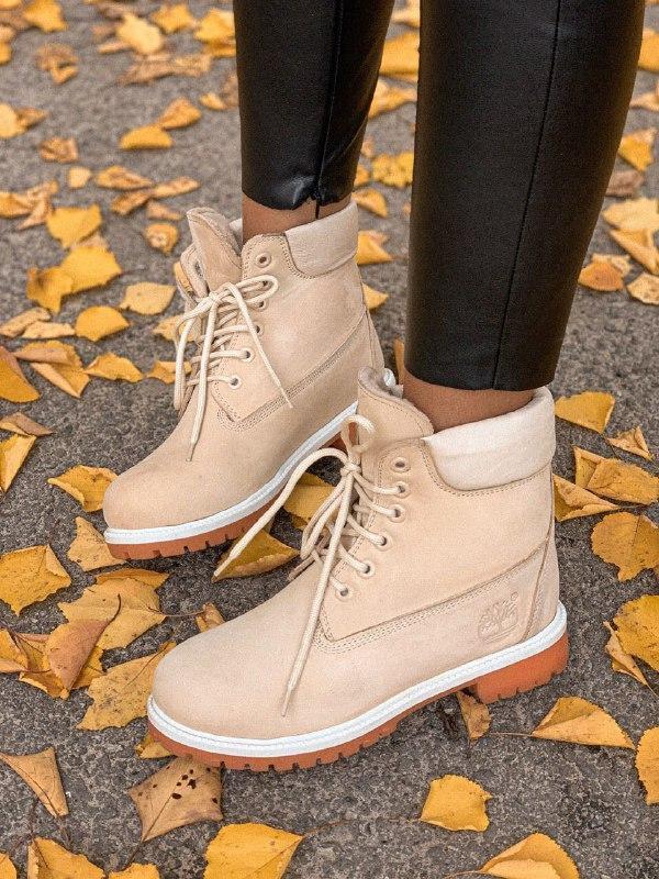 Шикарные женские зимние ботинки timberland  nude с мехом