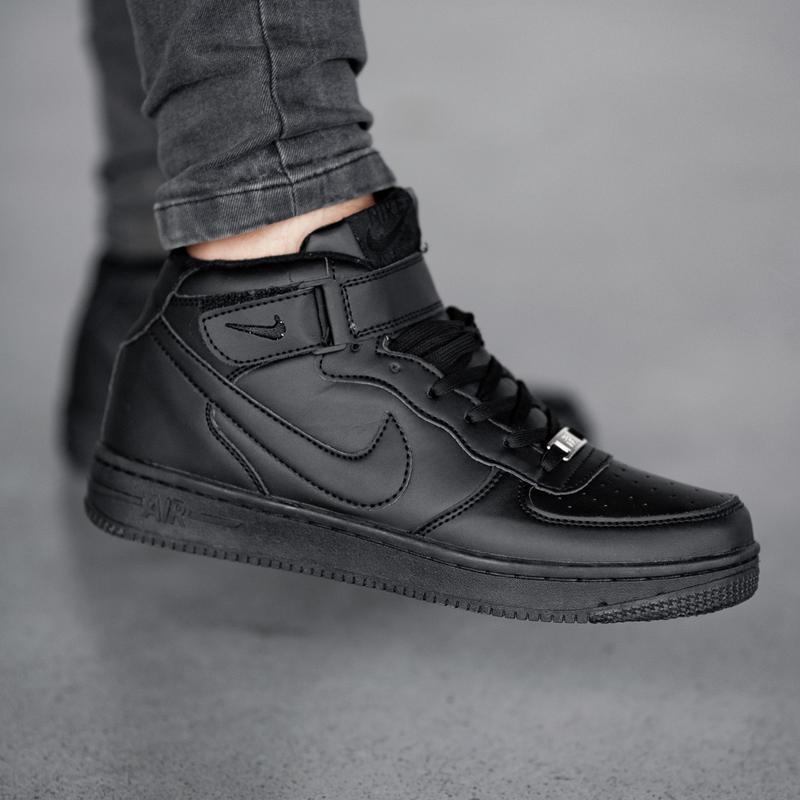 Шикарные зимние кроссовки  nike air force  black