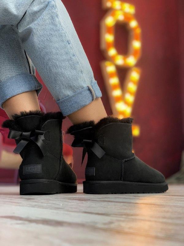 Шикарные женские зимние сапоги угги ugg bailey bow mini black ... - Фото 4