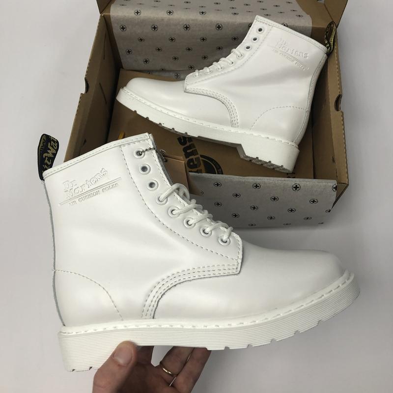 Шикарные женские зимние ботинки с мехом dr. martens mono white