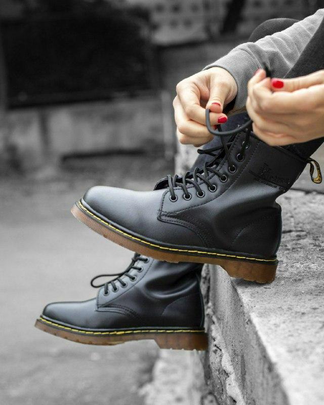 Шикарные женские зимние ботинки с мехом dr.martens 1460 classi...