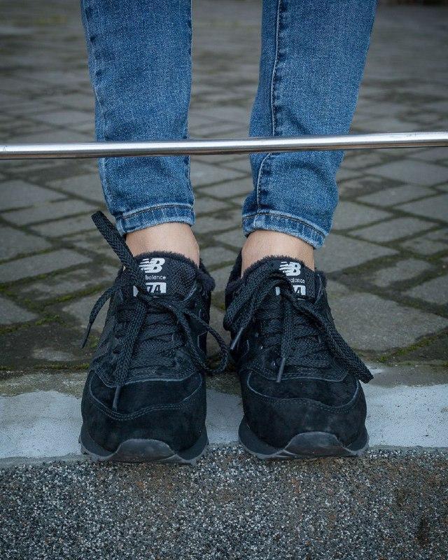 Шикарные женские зимние кроссовки new balance 574 black fur - Фото 3