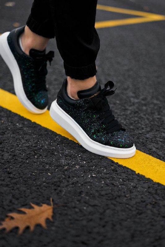 Шикарные женские кроссовки alexander mcqueen  galaxy green