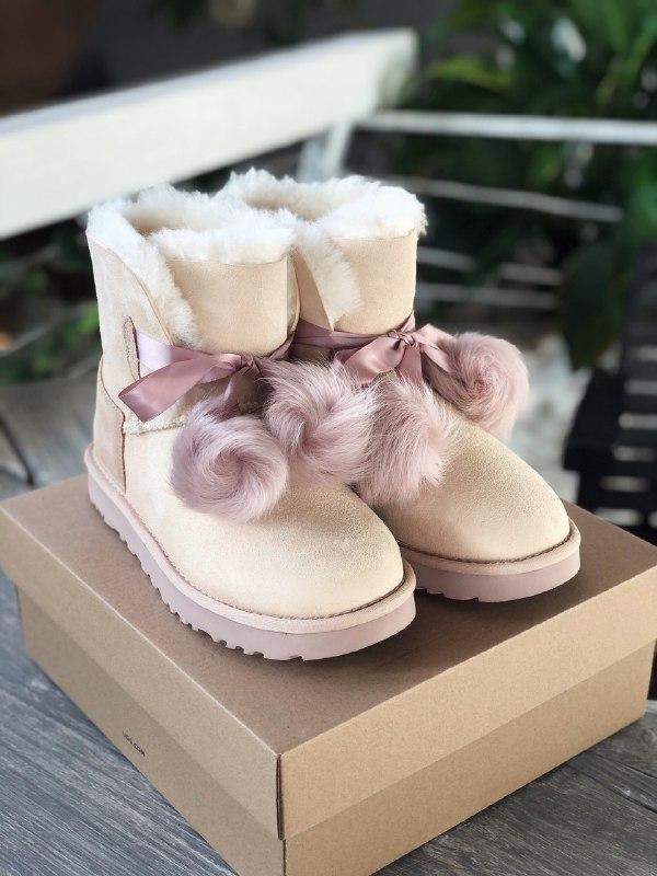 Шикарные женские зимние сапоги угги ugg gita powder pink suede...
