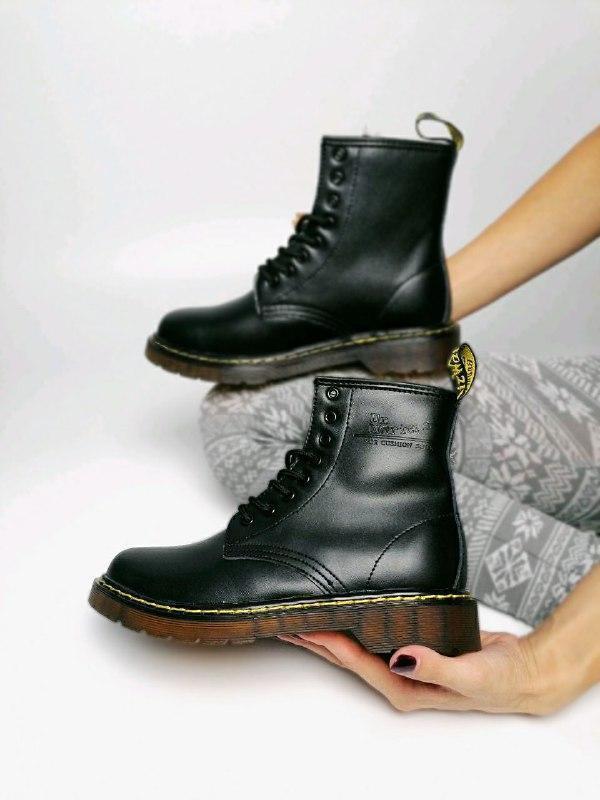 Шикарные женские зимние ботинки на меху  dr.martens 1460 class...