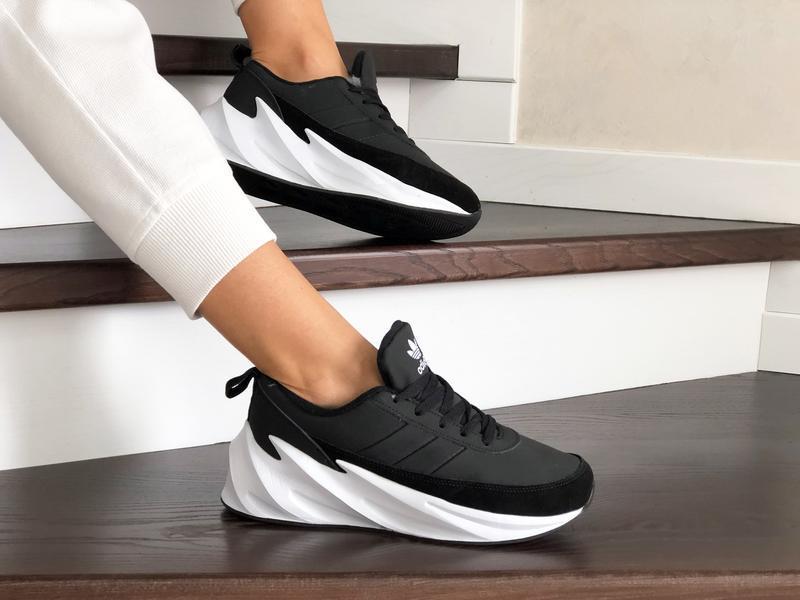 Шикарные женские зимние кроссовки adidas sharks black/white  н...