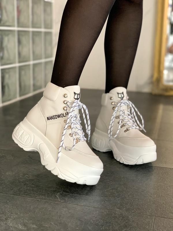 Шикарные женские зимние ботинки naked wolfe white