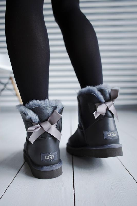 Шикарные женские зимние сапоги угги ugg bailey bow mini с нату...