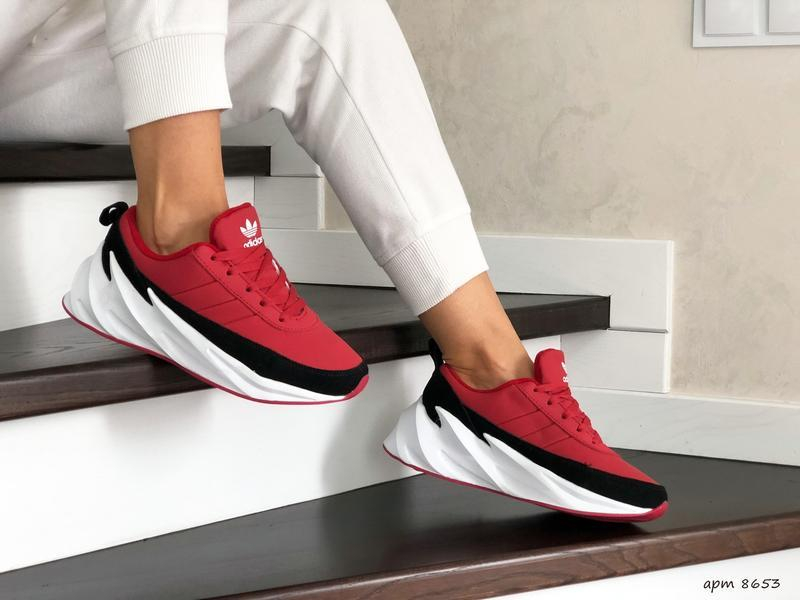 Шикарные женские зимние кроссовки adidas sharks red/black/whit... - Фото 2