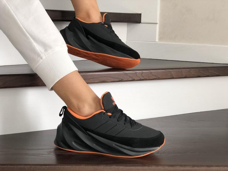 Шикарные женские зимние кроссовки  adidas sharks black/orange ...