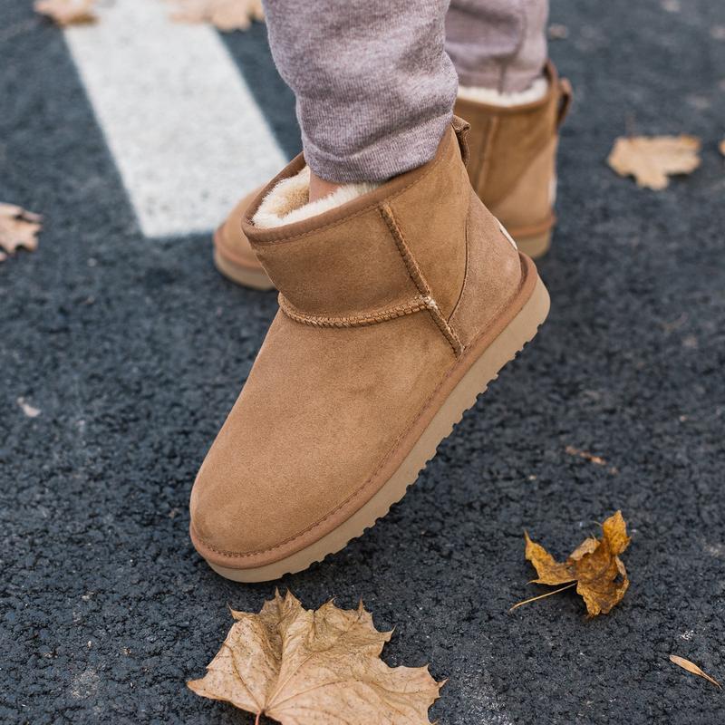 Шикарные женские зимние сапоги угги ugg classic mini ii boot  ...