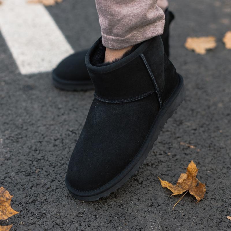 Шикарные женские зимние сапоги угги ugg classic mini ii boot с...