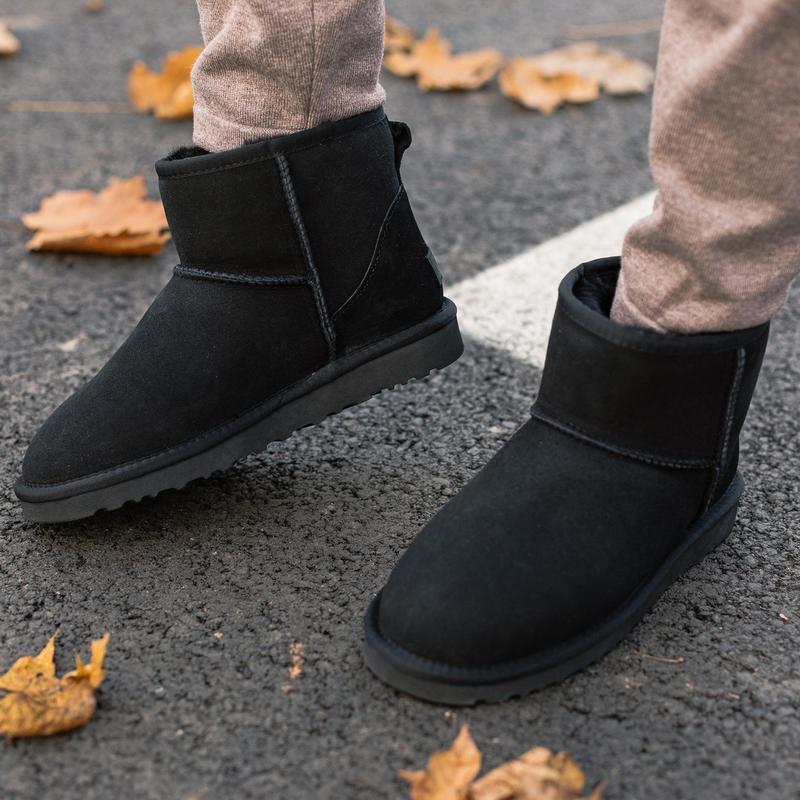 Шикарные женские зимние сапоги угги ugg classic mini ii boot с... - Фото 2