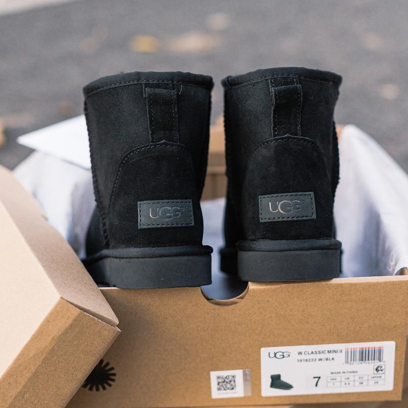 Шикарные женские зимние сапоги угги ugg classic mini ii boot с... - Фото 5