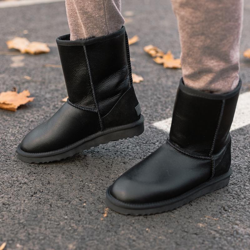 Шикарные женские зимние сапоги угги ugg classic short ii boot ... - Фото 2