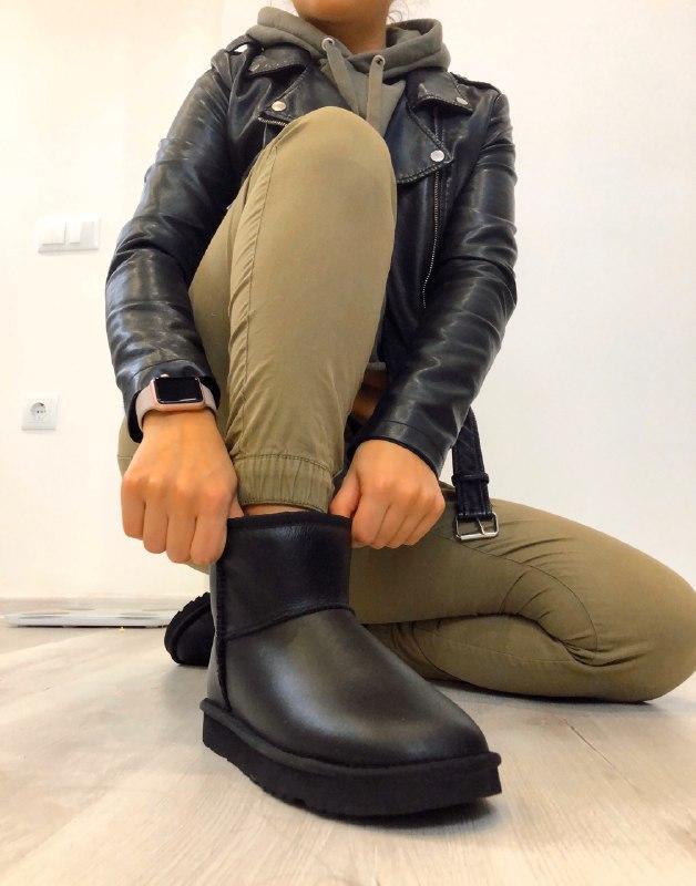 Шикарные женские зимние угги ugg classic mini black leather с ...