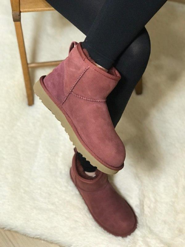Шикарные женские зимние угги ugg classic mini ii boot,bordeaux...
