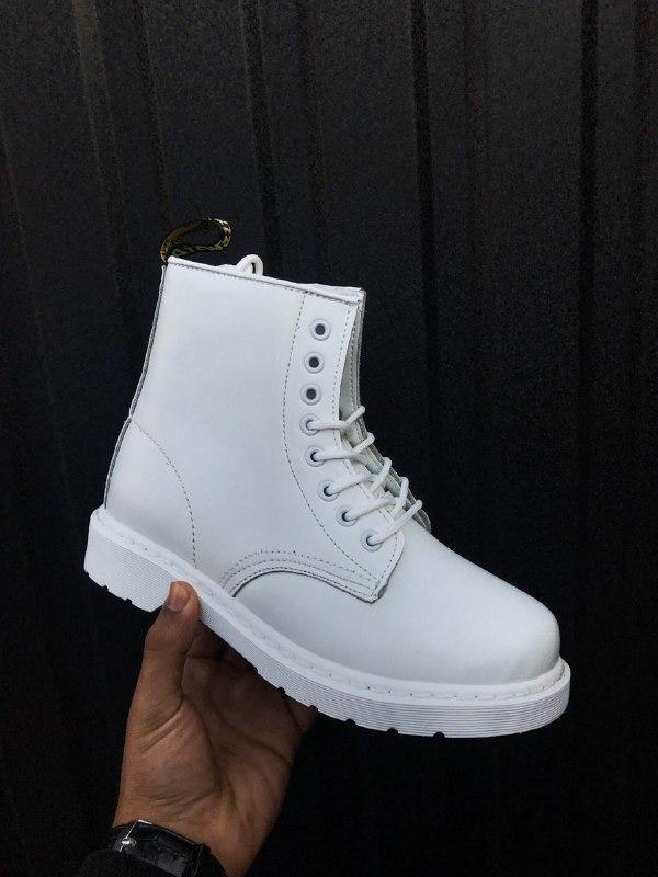 Шикарные женские зимние ботинки dr. martnes white 1460