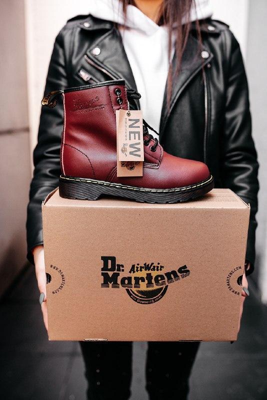 """Шикарные женские зимние ботинки dr.martens 1460 """"cherry red"""""""