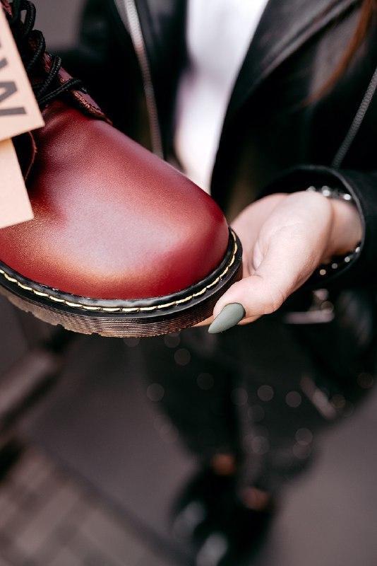 """Шикарные женские зимние ботинки dr.martens 1460 """"cherry red"""" - Фото 3"""