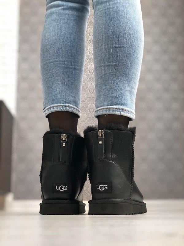 Шикарные женские зимние угги ugg ugg classic zip mini - Фото 4