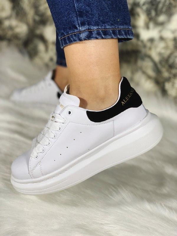 Шикарные женские кроссовки alexander mcqueen white/black