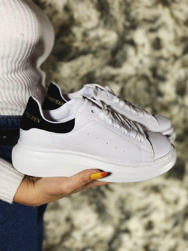 Шикарные женские кроссовки alexander mcqueen white/black - Фото 3