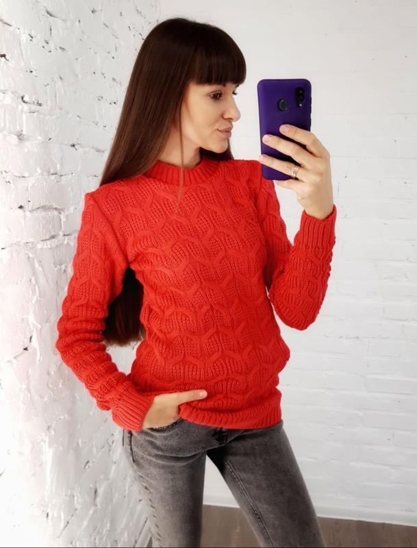 В'язаний светр червоний