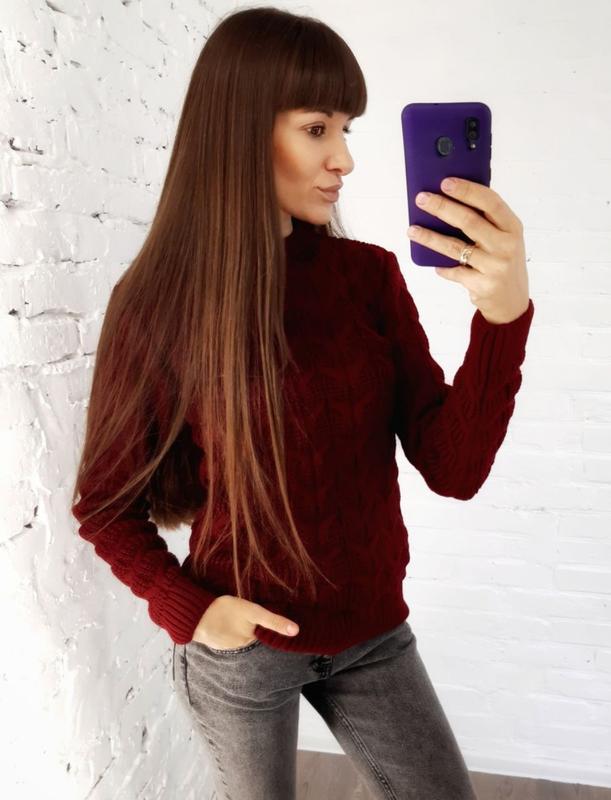 В'язаний светр бордовий