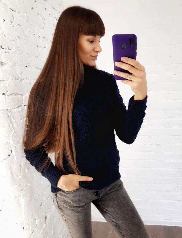 В'язаний светр темно-синій